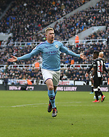 30th November 2019; St James Park, Newcastle, Tyne and Wear, England; English Premier League Football, Newcastle United versus Manchester City; Kevin de Bruyne of Manchester City celebrates after he scores with a thumping volley in the 82nd minute to make it 1-2 - Strictly Editorial Use Only. No use with unauthorized audio, video, data, fixture lists, club/league logos or 'live' services. Online in-match use limited to 120 images, no video emulation. No use in betting, games or single club/league/player publications