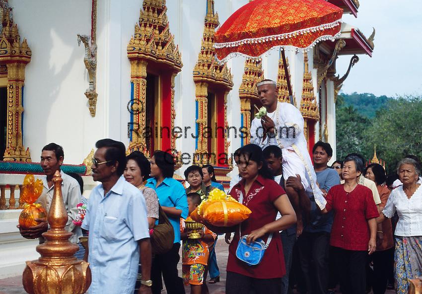 Thailand, Phuket, Wat Chalong: most popular Buddhist temple on Phuket island, initiation ceremony