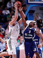 Real Madrid's Mirza Begic (l) and Mapooro Cantu's Jerry Smith during Euroleague 2012/2013 match.November 1,2012. (ALTERPHOTOS/Acero) /NortePhoto