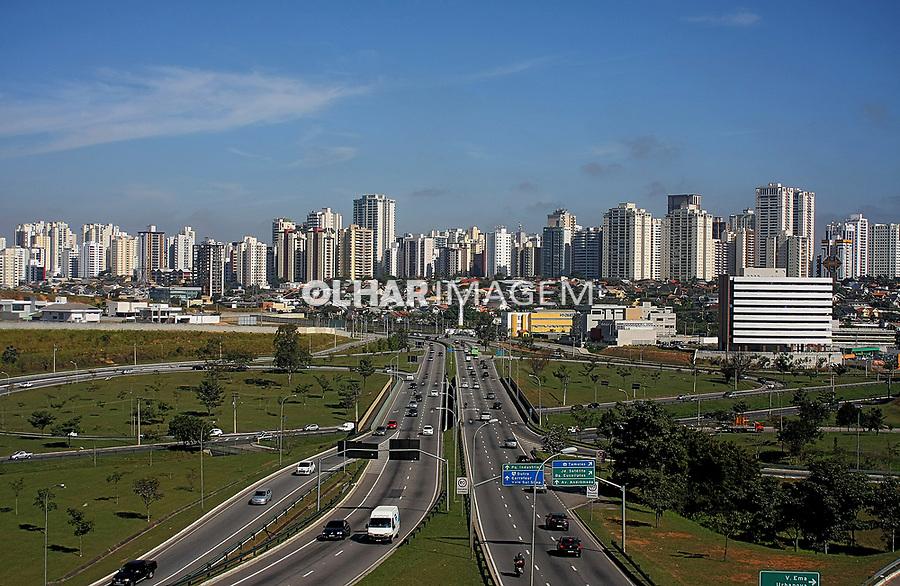 Anel viario da cidade Sao Jose dos Campos, Sao Paulo. 2018. Foto: de Euler Paixao