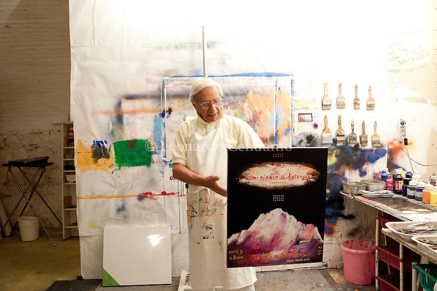 Dario Damato, pittore internazionale, Presidente della scuola dell\'arte di foggia, 20 luglio 2010-  © Leonardo Cendamo