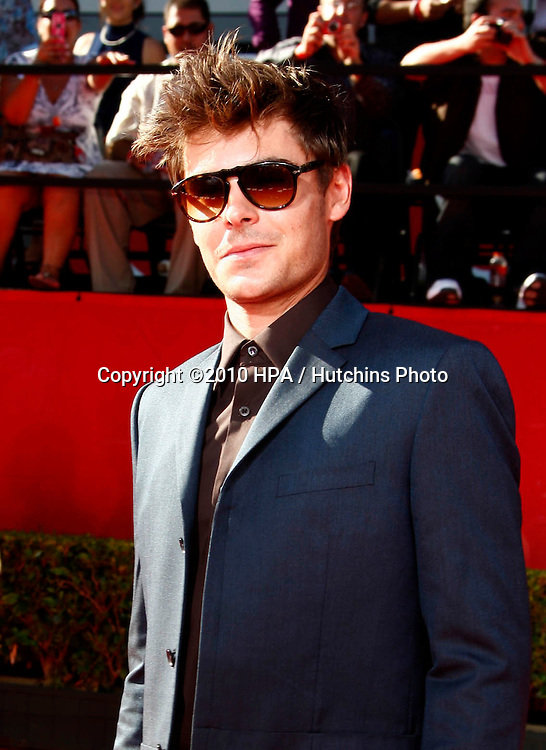 LOS ANGELES - JUL 14:  Zac Efron arrives at the 2010 ESPY Awards at Nokia Theater - LA Live on July14, 2010 in Los Angeles, CA ....