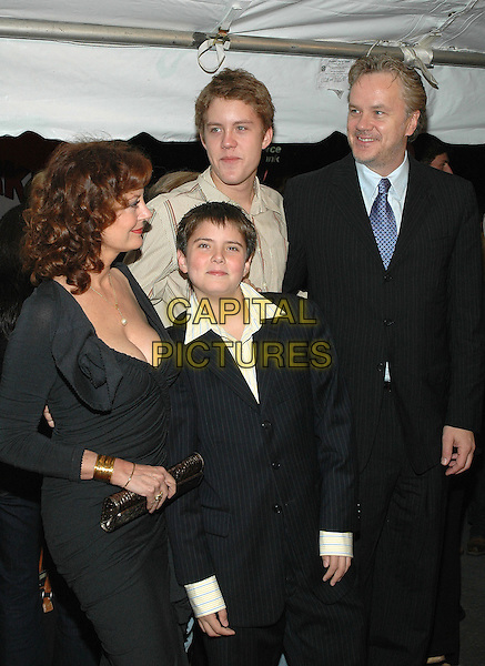 "SUSAN SARANDON, MILES ROBBINS, JACK ROBBINS & TIM ROBBINS.Premiere of ""Elizabethtown"", at the Loews Lincoln Square Theater in Manhattan, New York, New York ..October 10th, 2005.Photo Credit: Patti Ouderkirk/AdMedia/Capital Pictures.Ref: PO/ADM/CAP.HALF length black dress family sons .www.capitalpictures.com.sales@capitalpictures.com.© Capital Pictures."