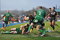 David Strettle of Saracens looks to reach the try-line. Aviva Premiership match, between Saracens and London Irish on January 3, 2015 at Allianz Park in London, England. Photo by: Patrick Khachfe / JMP