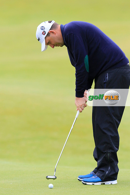 Anthony Wall (ENG) putts on the 18th green during Monday's Final Round of the 144th Open Championship, St Andrews Old Course, St Andrews, Fife, Scotland. 20/07/2015.<br /> Picture Eoin Clarke, www.golffile.ie