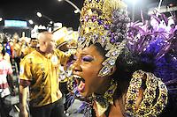 VAI-VAI - A Rainha da Bateria Camila Silva da escola de samba Vai Vai durante desfile no primeiro dia do Grupo Especial no Sambódromo do Anhembi na região norte da capital paulista, na madrugada deste sábado, 09. (FOTO: Guilherme Kastner / BRAZIL PHOTO PRESS).