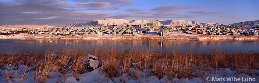 Grafarvogur séð til norðurs, Reykjavík / Grafarvogur suburan district in te eastern part of Reykjavik. Viewing north. Mount Esja in background.