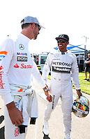 MELBORUNE, AUSTRALIA, 13.03.2014 - F1 - GP DA AUSTRALIA - PREPARATIVOS -  <br /> Jenson Button (GBR, McLaren Mercedes) e Lewis Hamilton (GBR, Mercedes AMG Petronas F1 Team) sao vistos dois dias antes do GP da Austr&aacute;lia de F&oacute;rmula 1, no circuito Albert Park, em Melbourne, Austr&aacute;lia, nesta quinta-feira, 13. (Foto: Pixathlon / Brazil Photo Press).
