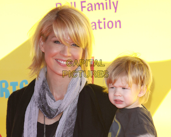 JENNA ELFMAN & STORY ELIAS .P.S. Arts Express Yourself 2009 held At Moca, Santa Monica, California, USA, .15th November 2009..portrait headshot fringe son family grey gray scarf .CAP/ADM/KB.©Kevan Brooks/AdMedia/Capital Pictures.