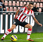 Nederland, Eindhoven, 30 januari  2013.KNVB Beker.Seizoen 2012/2013.PSV-Feyenoord.Dries Mertens in actie met de bal