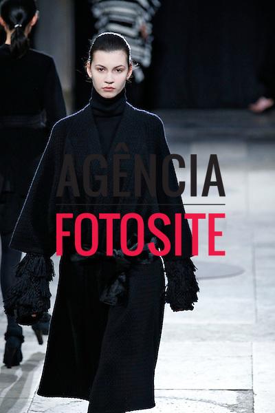 Paris, Franca – 02/2014 - Desfile de Allude durante a Semana de moda de Paris - Inverno 2014.<br /> Foto: FOTOSITE