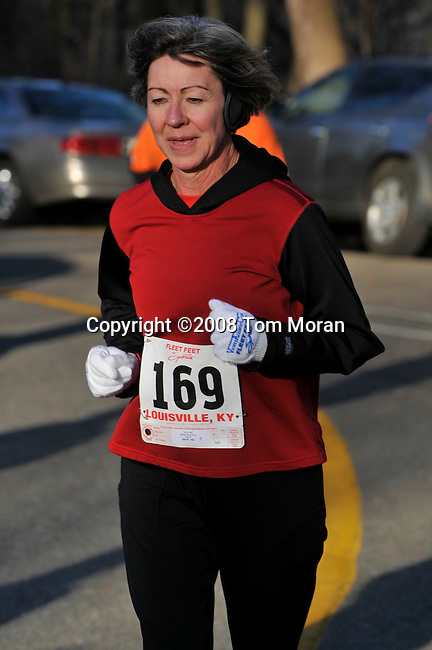 Reindeer Romp 4K Race, Louisville, KY 13 December 2008 Photo by Tom Moran