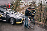 mid-descent stop to get some gloves on in the freezing cold<br /> <br /> 76th Paris-Nice 2018<br /> Stage 7: Nice &gt; Valdeblore La Colmiane (175km)