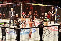 RIO DE JANEIRO, RJ, 25.10.2014 –UFC 179 - GILBERT BURNS X CHRISTOS GIAGOS UFC 179 - Gilbert Burns(corner vermelho) x Christos Giagos (corner azul) lutam no UFC 179  no Maracanã,   zona norte do Rio de Janeiro, neste sábado, 25 (foto: Márcio Cassol/Brazil Photo Press)