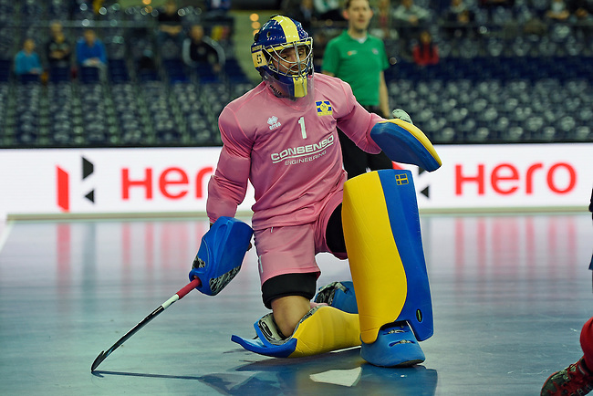 Leipzig, Germany, February 08: Niclas Franzen #1 of Sweden in action during the placement match (5th / 6th) between Sweden (yellow) and Russia (red) on February 8, 2015 at the FIH Indoor Hockey World Cup at Arena Leipzig in Leipzig, Germany. Final score 1-3 (1-0). (Photo by Dirk Markgraf / www.265-images.com) *** Local caption ***