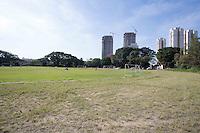SAO PAULO, SP, 17.07.2014 - PREFEITO HADDAD / CHACARA DO JOCKEY.  A Chácara do Jockey, uma área verde de 169 mil m² localizada na região do Butantã, na zona oeste de São Paulo, será transformada em parque municipal.A prefeitura  deve pagar R$ 64 milhões pela desapropriação do terreno utilizado atualmente como escolinha de futebol. Dono da área, o Jockey Club de São Paulo aceitou negociar o valor em troca de um abatimento na dívida de IPTU que mantém com a Prefeitura. (Foto: Adriana Spaca/Brazil Photo Press)