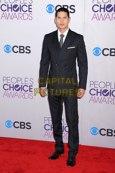 JD Pardo, J.D. Pardo.People's Choice Awards 2013 - Arrivals held at Nokia Theatre L.A. Live, Los Angeles, California, USA..January 9th, 2013.full length suit black white shirt grey gray tie .CAP/ADM/BP.©Byron Purvis/AdMedia/Capital Pictures.