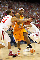 SAN ANTONIO, TX - MARCH 22, 2007: The University of Tennessee Volunteers vs. The Ohio State University Buckeyes in the NCAA Men's Basketball South Regional second semi-final in the Alamodome. (Photo by Jeff Huehn)