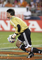 Houston Dynamo goalkeeper Pat Onstad collects the ball.  Houston Dynamo beat CD Chivas USA 2-0 at Robertson Stadium in Houston, TX on October 29, 2006 to gain a berth in the Western Conference Final on a 3-2 aggregate.