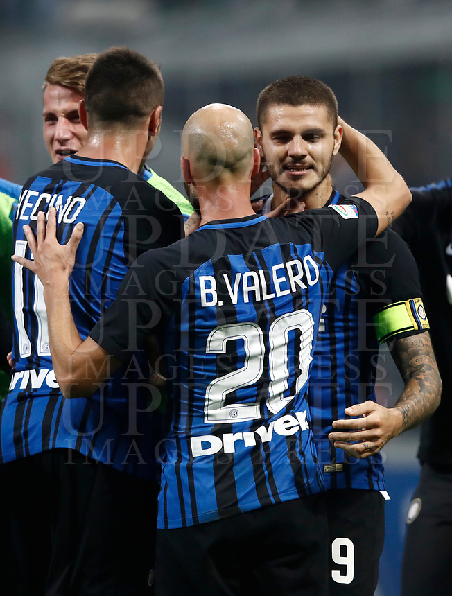 Calcio, Serie A: Milano, stadio Giuseppe Meazza, 15 ottobre 2017.<br /> Inter's Mauro Icardi celebrates with his teammates after scoring his second goal during the Italian Serie A football match between Inter and Milan at Giuseppe Meazza (San Siro) stadium, October15, 2017.<br /> UPDATE IMAGES PRESS/Isabella Bonotto