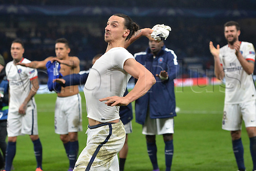 09.03.2016. Stamford Bridge, London, England. Champions League. Chelsea versus Paris Saint Germain.  ZLATAN IBRAHIMOVIC (psg) throwd his shirt to fans in celebration at the end of the match