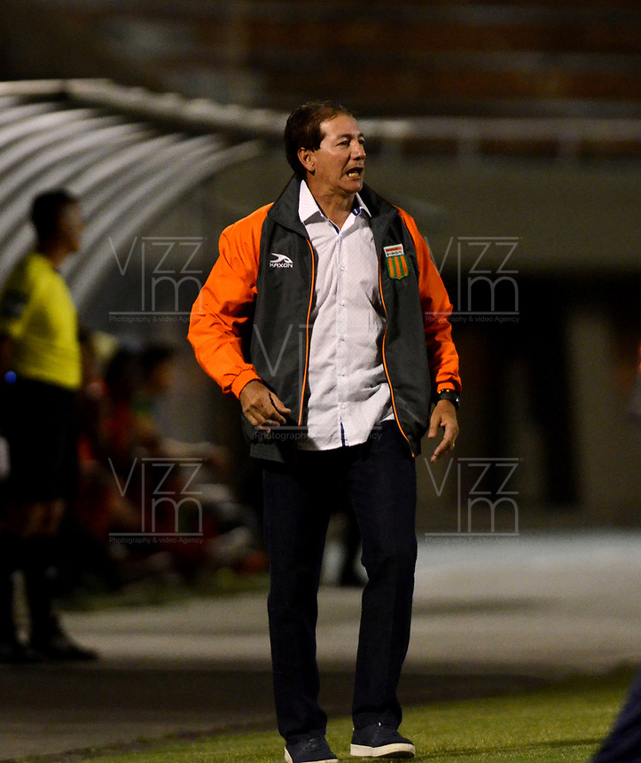 ENVIGADO - COLOMBIA - 09 - 02 - 2018: Ruben Bedoya, tecnico de Envigado F. C., durante partido entre Envigado F. C., y Rionegro Aguilas Doradas por la fecha 2 de la Liga Aguila I 2018, en el estadio Polideportivo Sur de la ciudad de Envigado. /  Ruben Bedoya, coach of Envigado F. C., during a match between Envigado F. C., and Rionegro Aguilas Doradas for the date 2 of the Liga Aguila I 2018 at the Polideportivo Sur stadium in Envigado city. Photo: VizzorImage / Leon Monsalve / Cont.