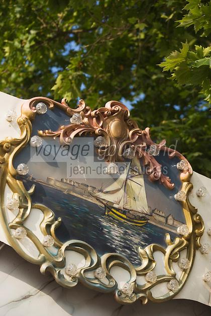 Europe/France/Bretagne/35/Ille et Vilaine/Saint-Malo:Détail d'un manège représentant les rempart de la vieille ville intramuros