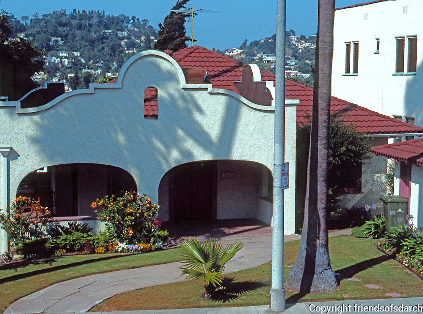 Los Angeles (Echo Park): 3465 Winslow. Mission Revival. Photo '91.