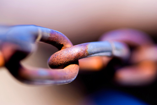 Some rusted links, good concept background, shot with macro lens 1:1 sDOF