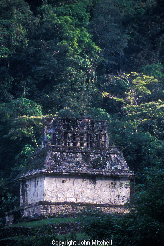 Temple of the Sun with jungle backdrop, Palenque, Mexico