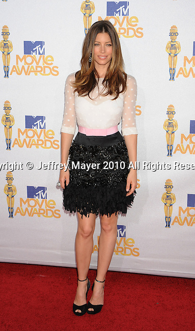 UNIVERSAL CITY, CA. - June 06: Jessica Biel arrives at the 2010 MTV Movie Awards at Gibson Amphitheatre on June 6, 2010 in Universal City, California.