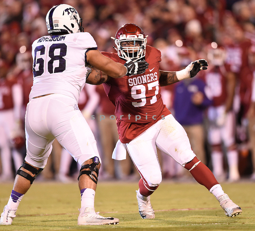 Oklahoma Sooners Charles Walker (97) during a game against the Texas Christian Horned Frogs on November 21, 2015 at Memorial Stadium in Norman, OK. Oklahoma beat Texas Christian 30-29.