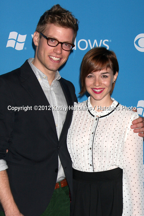 LOS ANGELES - SEP 15:  Barrett Foa, Renee Felice Smith arrives at the CBS 2012 Fall Premiere Party at Greystone Manor on September 15, 2012 in Los Angeles, CA