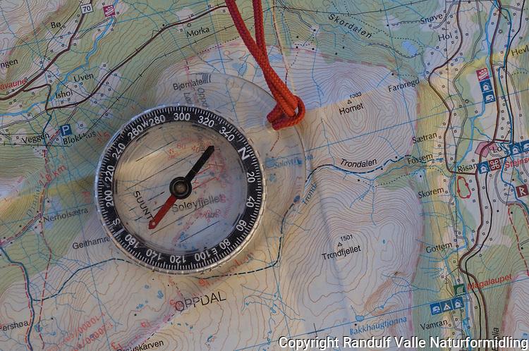 Kart og kompass ---- Map and compass