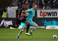 Maximilian Arnold (VfL Wolfsburg) gegen Djibril Sow (Eintracht Frankfurt) - 23.11.2019: Eintracht Frankfurt vs. VfL Wolfsburg, Commerzbank Arena, 12. Spieltag<br /> DISCLAIMER: DFL regulations prohibit any use of photographs as image sequences and/or quasi-video.