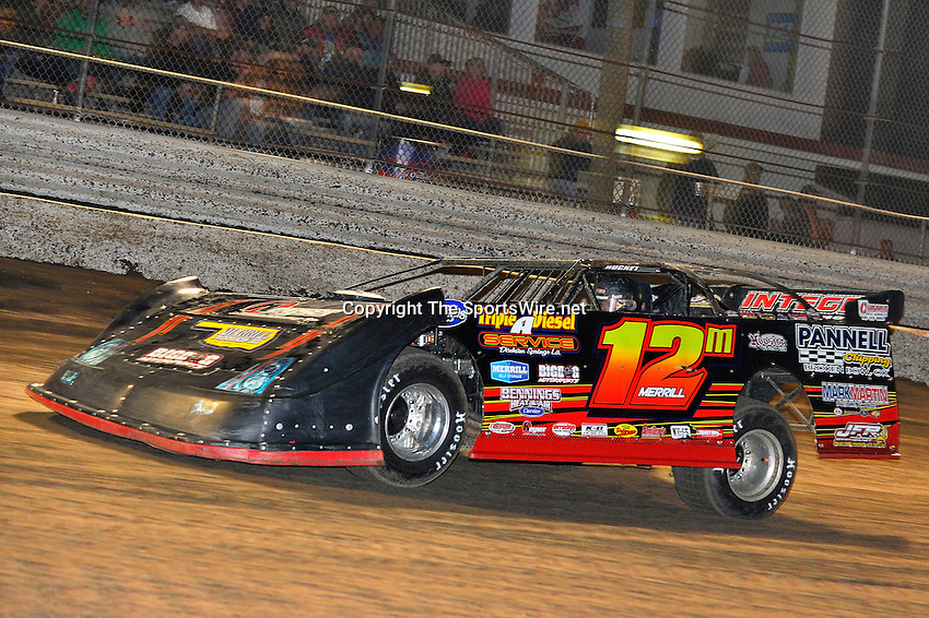 Feb 17, 2014; 7:17:43 PM;  Barberville, FL, USA;  World of Outlaws Late Model Series for 43rd Annual DIRTcar Nationals presented by Summit Racing Equipment at Volusia Speedway Park.  Mandatory Credit: (thesportswire.net)