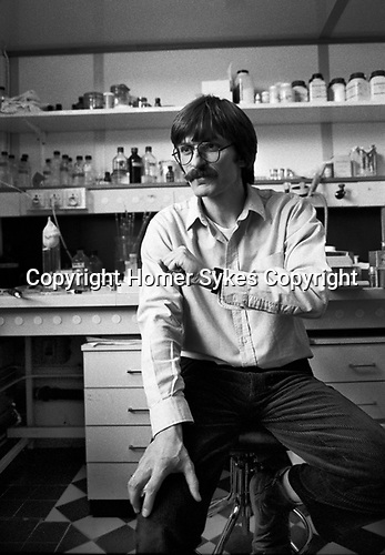 Professor Simon Wain-Hobson Pasteur Institute, Institut Pasteur, Paris, France 1985.