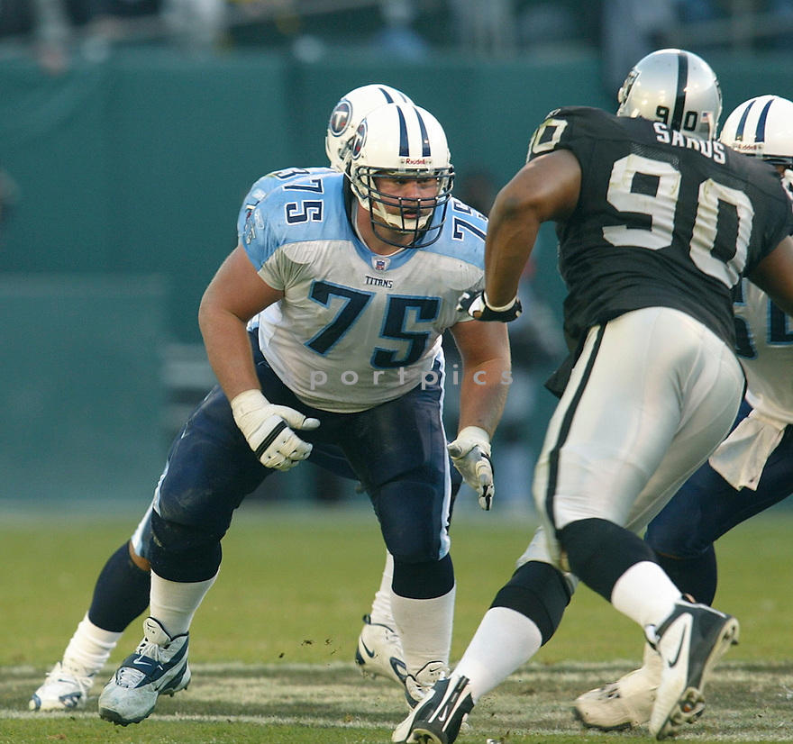Benji Olson during the Tennessee Titans v. Oakland Raiders game on December 19, 2004...Raiders win 40-35..Rob Holt / SportPics