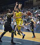 13.04.2019, EWE Arena, Oldenburg, GER, easy Credit-BBL, EWE Baskets Oldenburg vs medi Bayreuth, im Bild<br /> mViojdan STOJANOVSKI (EWE Baskets Oldenburg #19 ) De`Mon BROOKS (medi Bayreuth #24 ) Eric MIKA (medi Bayreuth #0 )<br /> <br /> Foto &copy; nordphoto / Rojahn