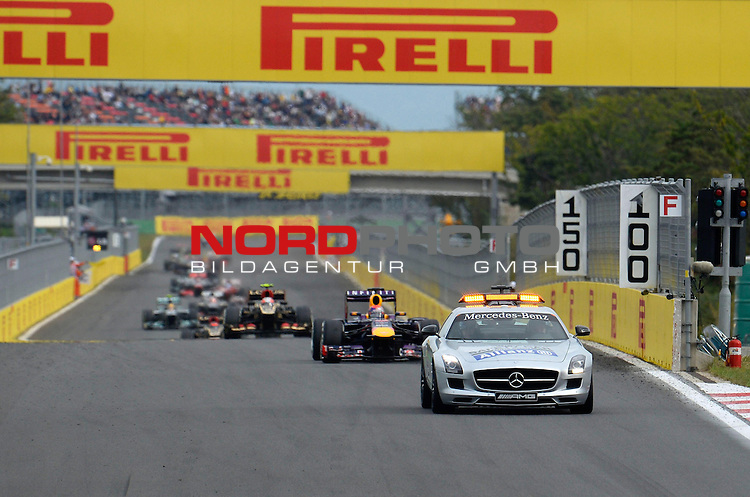 Safety Car phase<br /> for Austria &amp; Germany Media usage only!<br />  Foto &copy; nph / Mathis