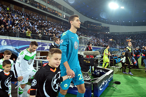 17.02.2016. Gent, Belgium. UEFA Champions League football. KAA Gent versus VfL Wolfsburg.  Koen Casteels goalkeeper of VfL Wolfsburg leads out his team