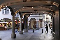 - Lugano, arcade in downtown....- Lugano, portici in centro città