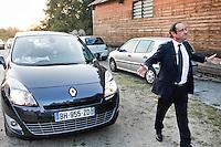 France , Correze . François Hollande en campagne pour la primaire de gauche . Fete de la Rose de Clergoux . Vendredi 30 septembre 2011 - ©Jean-Claude Coutausse / french-politics.com pour Le Monde