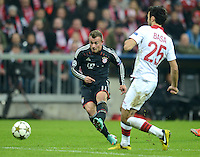 FUSSBALL   CHAMPIONS LEAGUE   SAISON 2012/2013   GRUPPENPHASE   FC Bayern Muenchen - LOSC Lille                          07.11.2012 Xherdan Shaqiri (li, FC Bayern Muenchen) gegen Marko Basa (LOSC Lille)