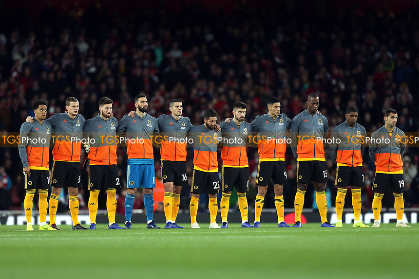 Wolves observe a minutes silence before Arsenal vs Wolverhampton Wanderers, Premier League Football at the Emirates Stadium on 11th November 2018