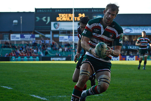 18.10.2010 Ben Croft scores Leicester\'s fifth try.