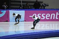 SCHAATSEN: HEERENVEEN: IJsstadion Thialf, 16-11-2012, Essent ISU World Cup, Season 2012-2013, Ladies 3000 meter Division B, Brittany Schussler (CAN), Cindy Klassen (CAN), ©foto Martin de Jong