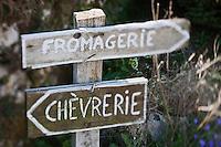 Europe/Europe/France/Midi-Pyrénées/46/Lot/Loubressac: Détail panneaux a la Ferme Cazal-SARL Les Alpines qui produit un Rocamadour  fermier