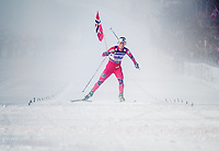 Holmenkollen, 20110303. Stafett kvinner. Marit Bjørgen inn til gull.  NY VERSJON. Oslo Ski Vm Holmenkollen. Foto: Eirik Helland Urke / Dagbladet