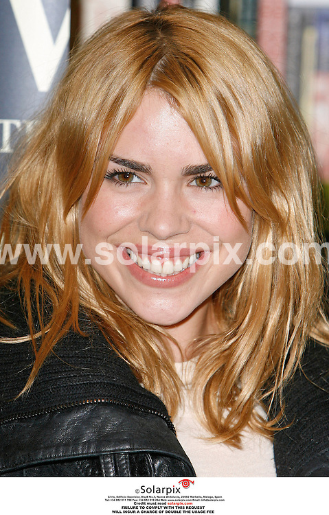 "ALL ROUND PICTURES FROM SOLARPIX.COM.""MUST CREDIT SOLARPIX.COM OR DOUBLE FEE WILL BE CHARGED""..Billie Piper signs copies of her book, ""Growing Pains"" at Waterstones, Oxford Street...DATE: 23/10/2006-JOB REF: 2963-PRS.."